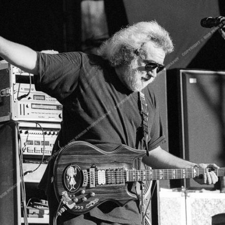 Jerry Garcia - Shoreline Amphitheatre, Mountainview, CA 8/17/91